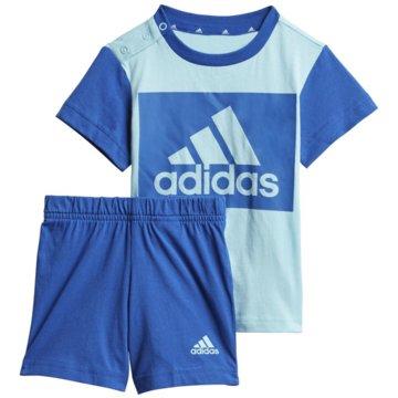 adidas BodiesESSENTIALS SET AUS T-SHIRT UND SHORTS - GN3928 blau