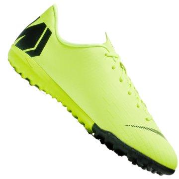 Nike Multinocken-Sohle grün