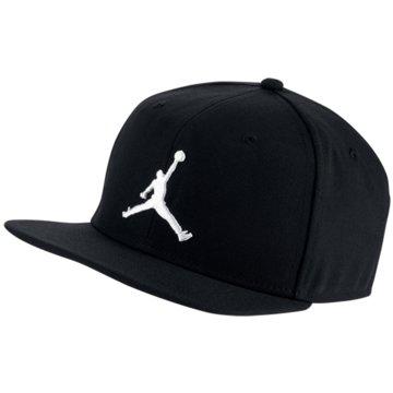 Jordan CapsJordan Pro Jumpman Snapback Cap -