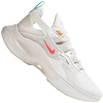 Nike Street Look -