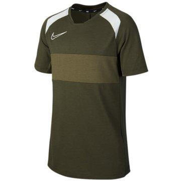 Nike T-Shirts oliv