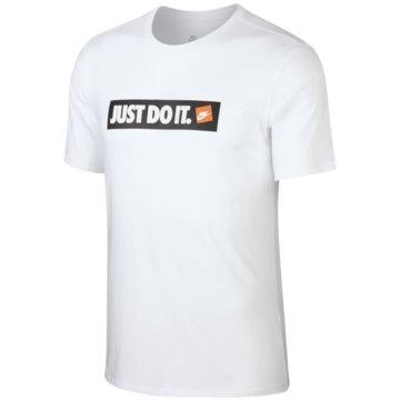 Nike T-ShirtsSportswear T-Shirt -