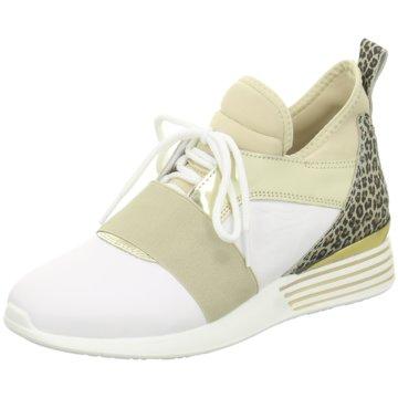hip shoe style Plateau Sneaker beige