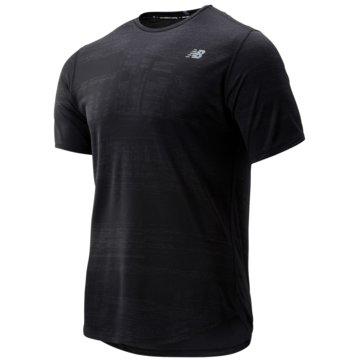 New Balance T-Shirts schwarz