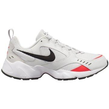 Nike Sneaker LowAir Heights beige
